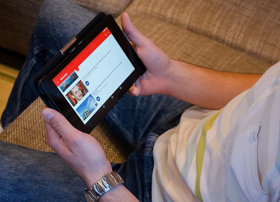Listen to YouTube Music in Background Using YMusic App