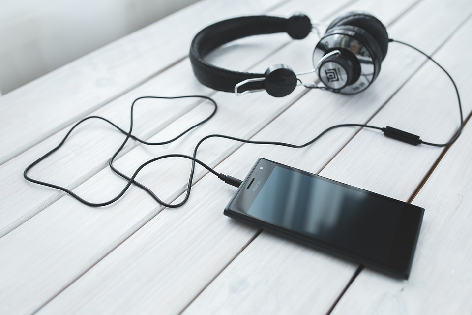 8 Best Music Streaming Services in India for Listening to Your