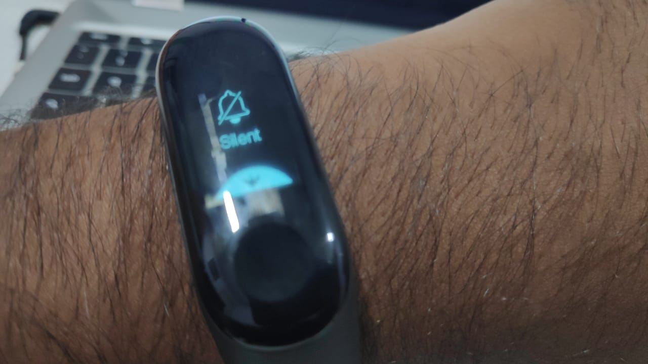 6 Mi Band Tips & Tricks to Make the Most of it